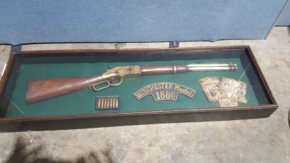 Winchester Model 1886 Rifle Shadow Box x1 (Ex Hazel Residence)
